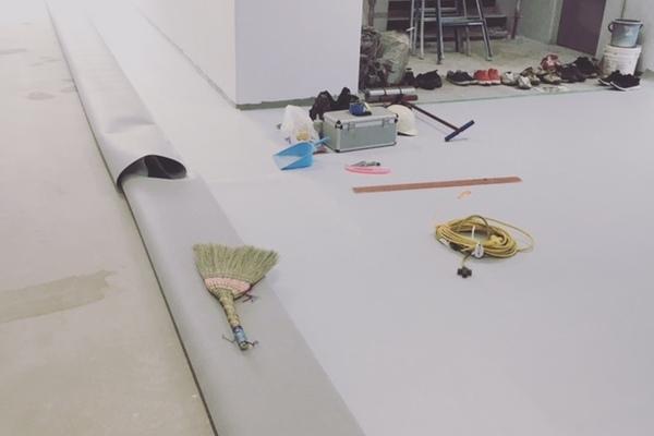 『Floor work』続いたなぁ。
