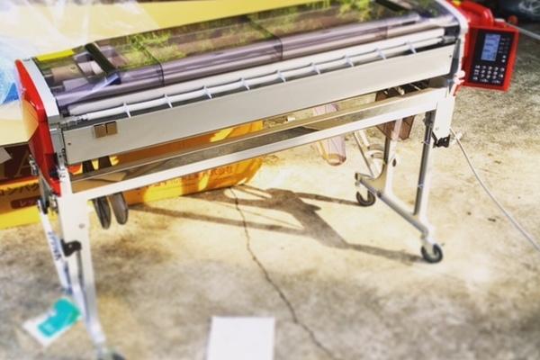 『最新壁紙自動糊付機』