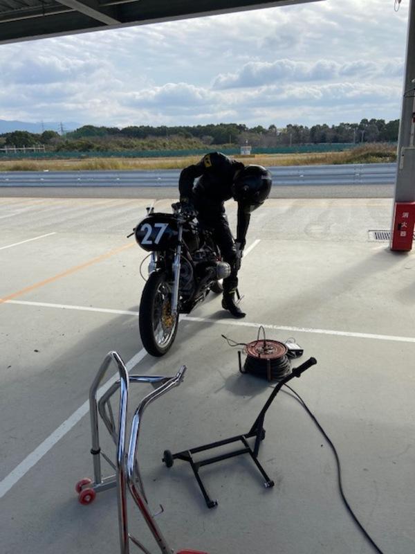 『バイクいじりとか。。』